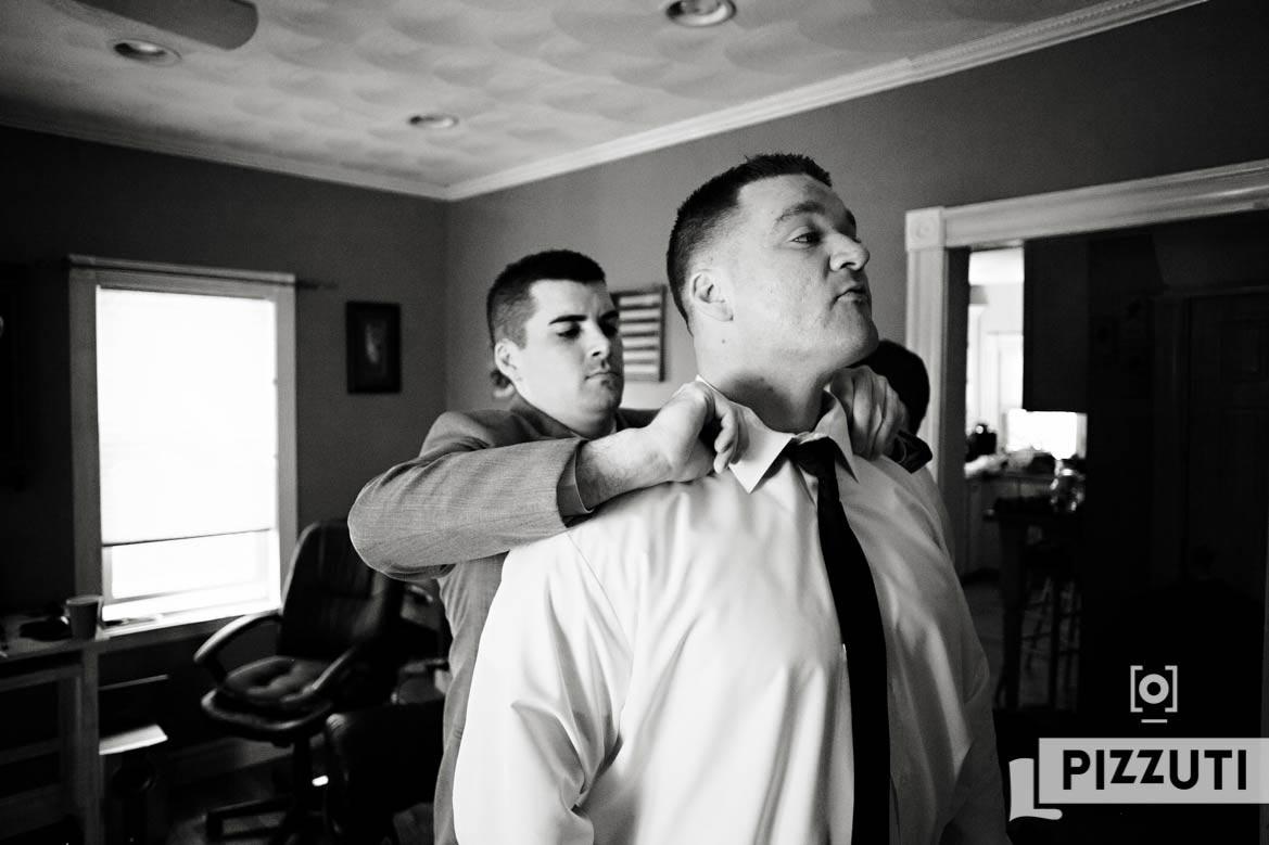 wedding-groom-groomsmen-tie