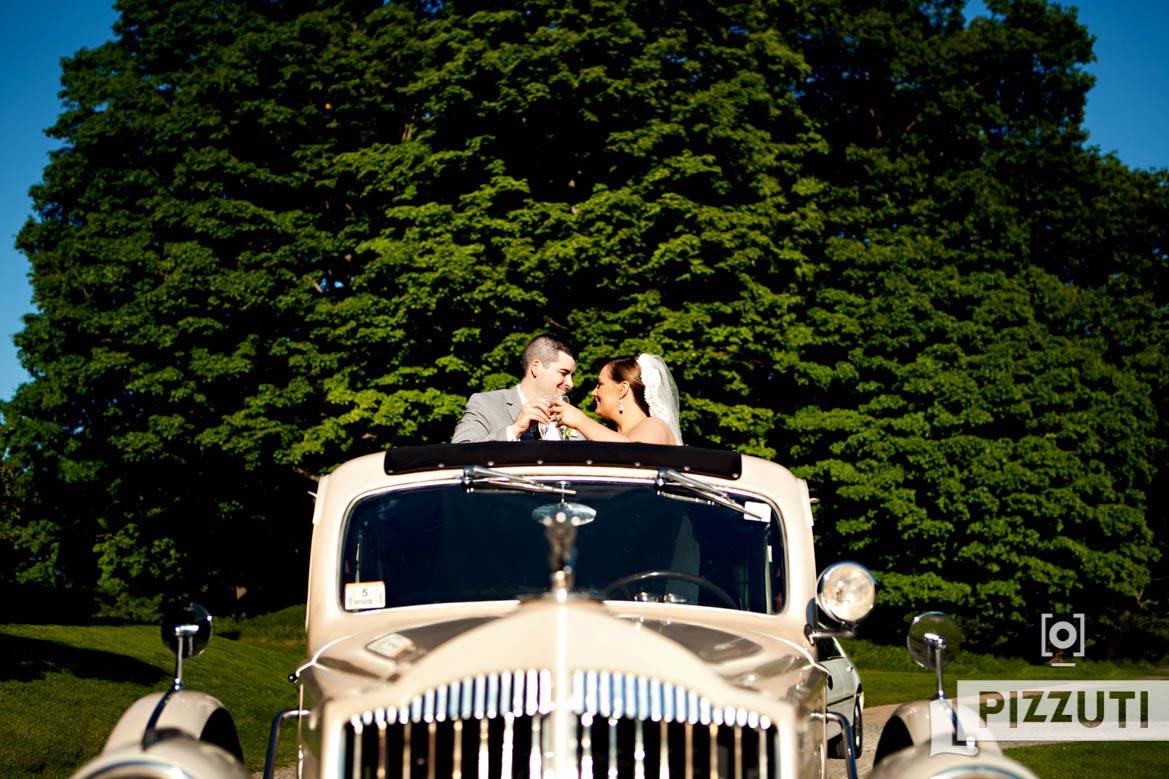 wedding-bride-groom-antique-newlyweds