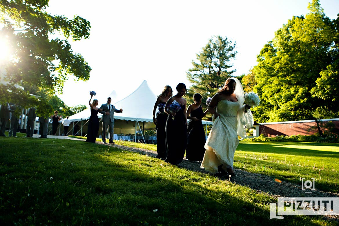 wedding-bride-groom-reception-outdoors