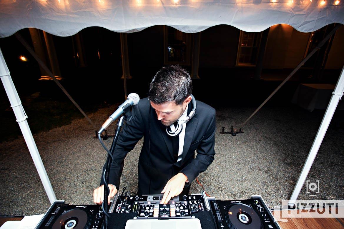 wedding-reception-music-DJ