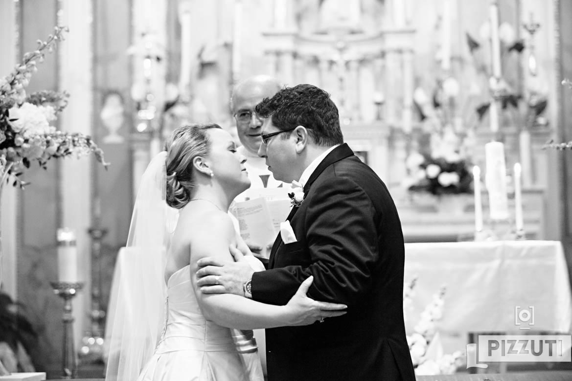 sacred-heart-church-first-kiss