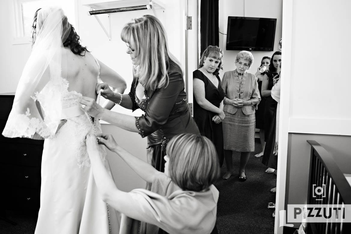 wedding-gown-bridesmaid-bride-family