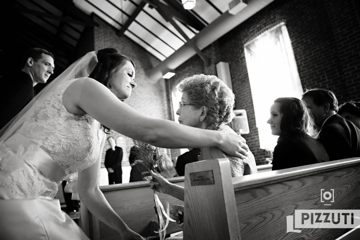 wedding-groom-bride-family