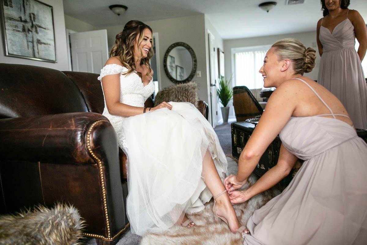 bride-bridesmaids-