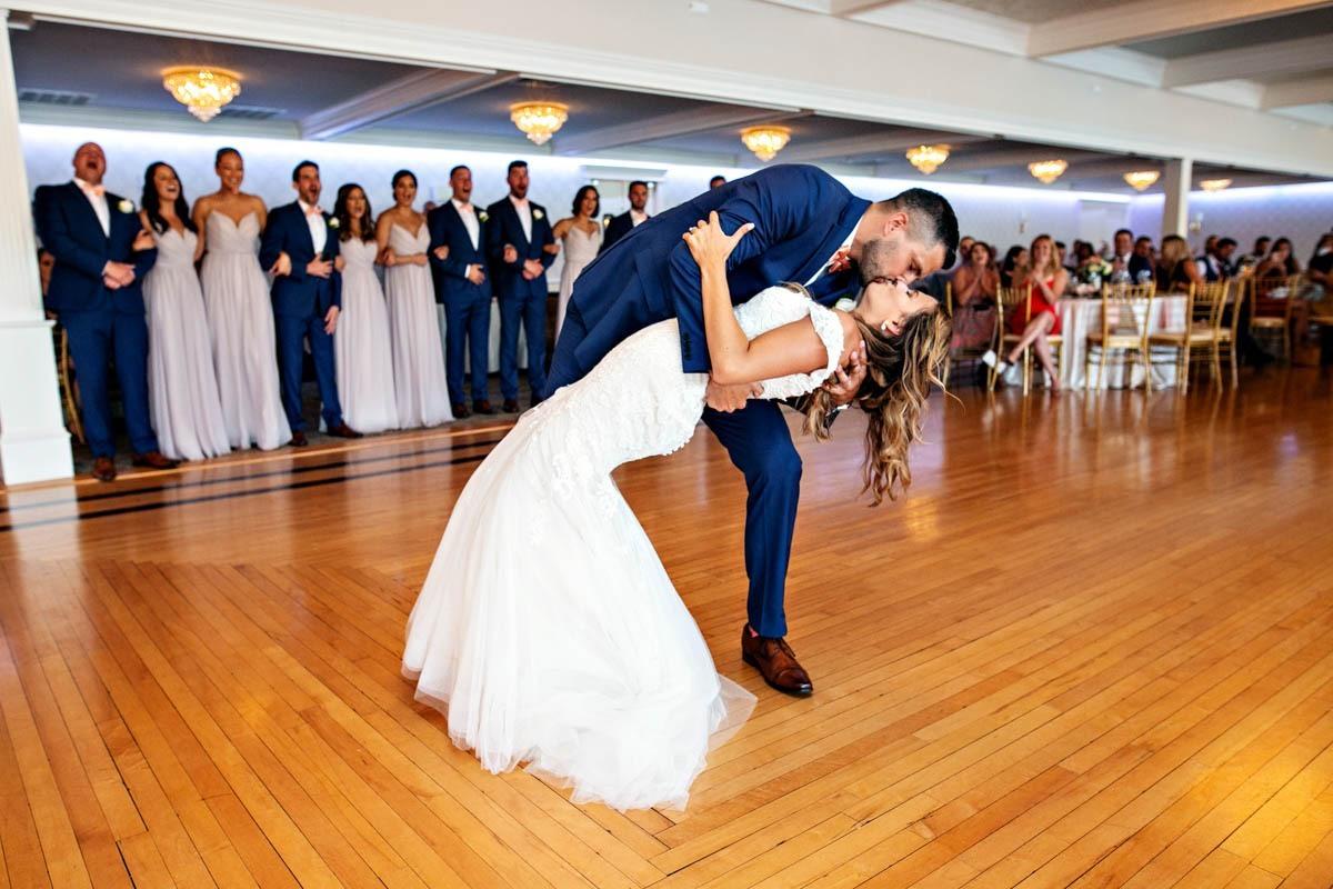 bride-groom-dancing-dip-grandview-wedding