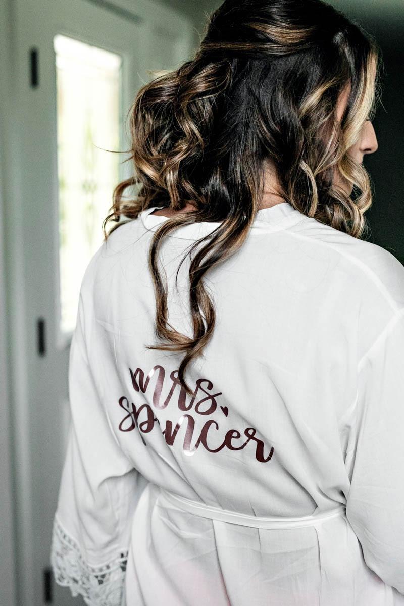 bride-robe-getting-ready-grand-view-wedding
