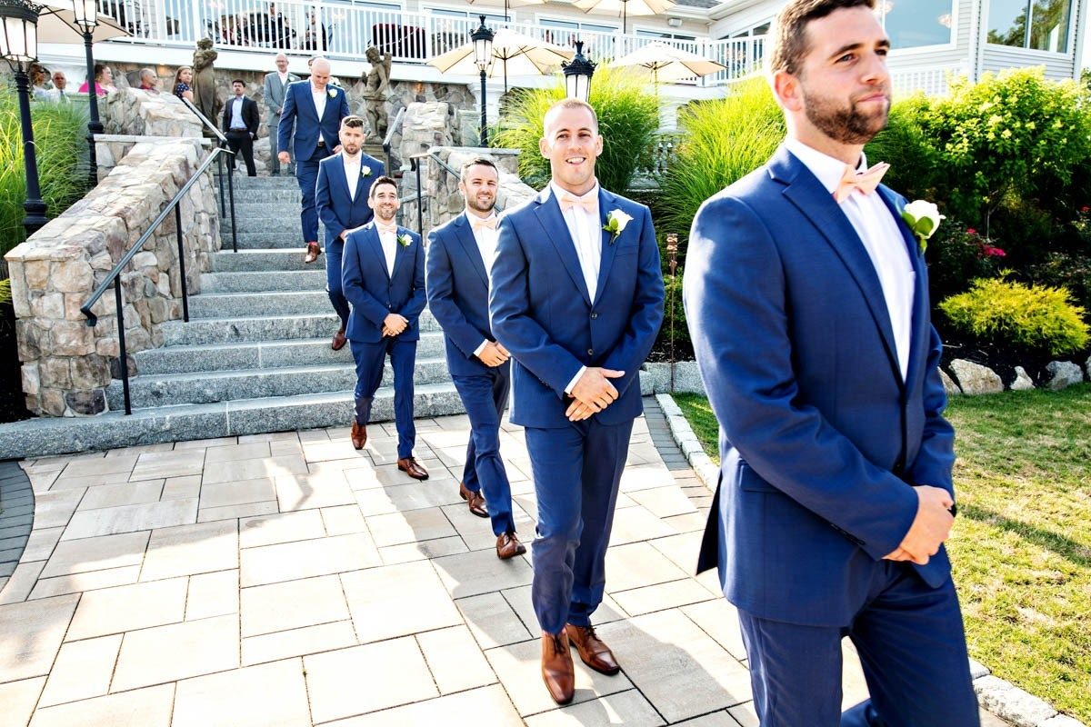 ceremony-groomsmen-grandview