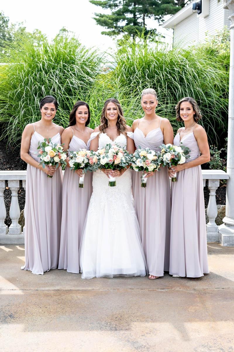 portrait-bridesmaids-grand-view-wedding