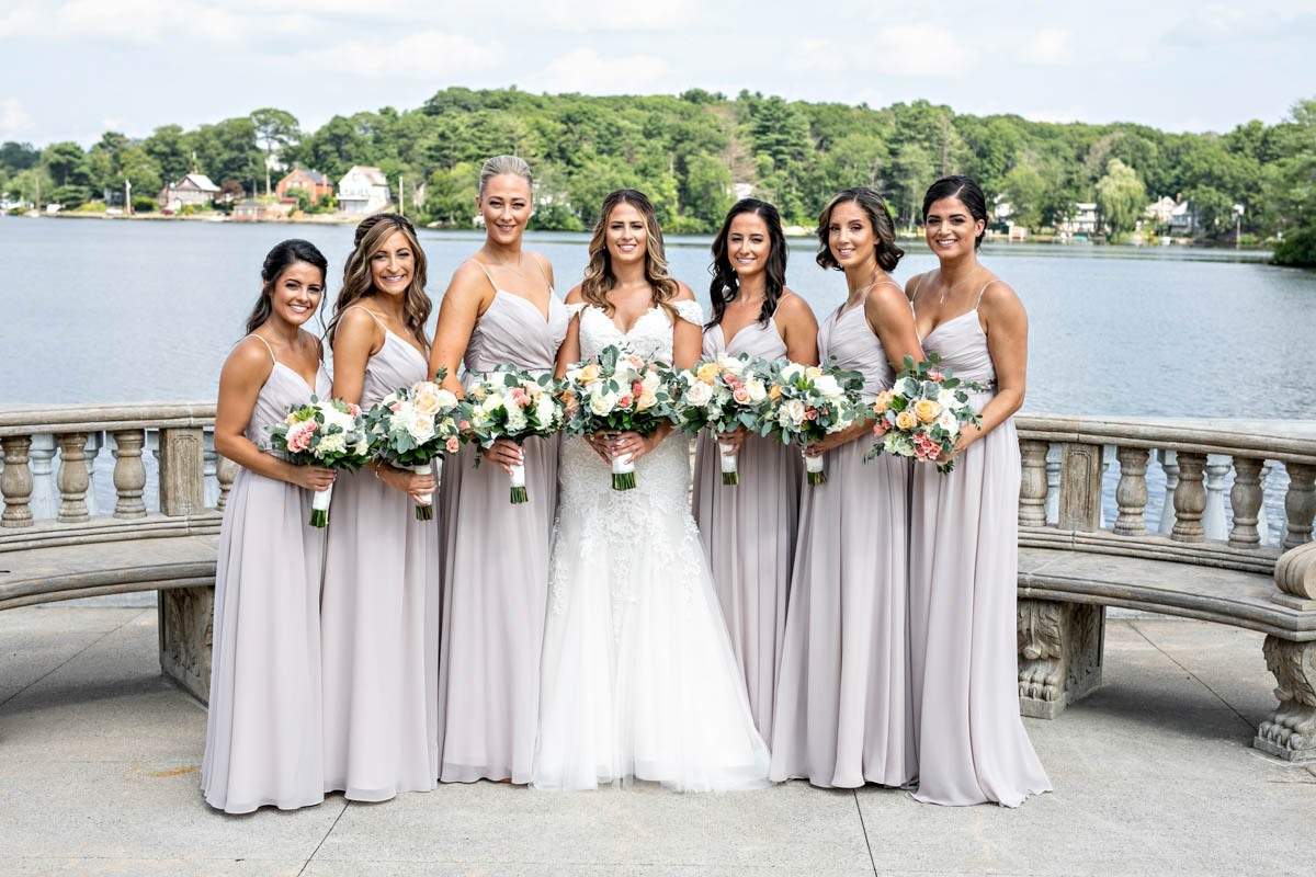 portrait-bridesmaids-grand-view