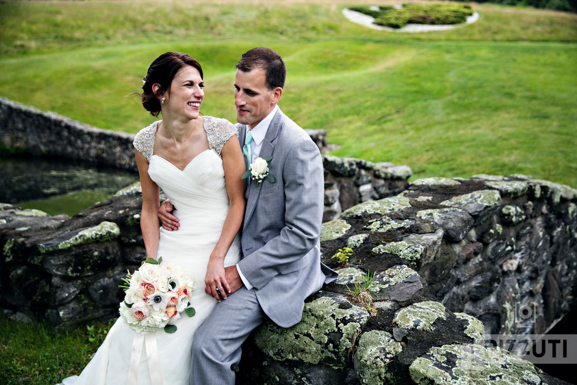 international golf club wedding stone bridge
